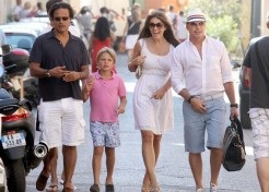 Elizabeth Hurley Vacations With Her Family And Ex Hugh Grant