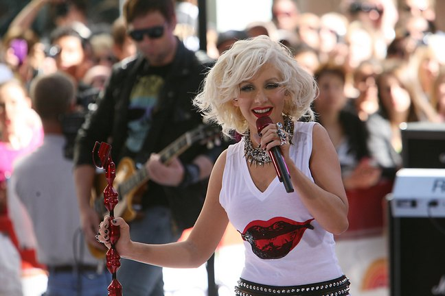 Christina Aguilera, lip t-shirt, white t-shirt, microphone, stage