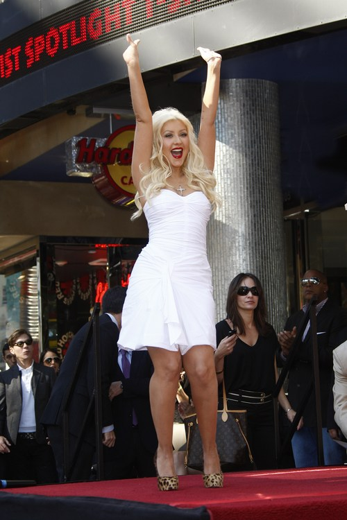 Christina Aguilera, Dior dress, white dress, christian louboutin shoes