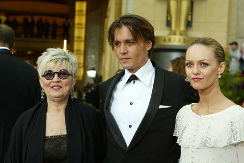 Johnny Depp, tuxedo, vanessa paradis, white dress