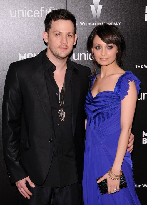 Nicole Richie, blue dress, blue gown, Joel Madden, black jacket, black dress shirt