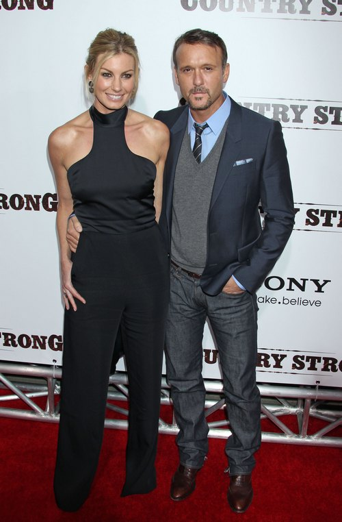 Faith Hill black top, black sleeveless top, Tim McGraw suit