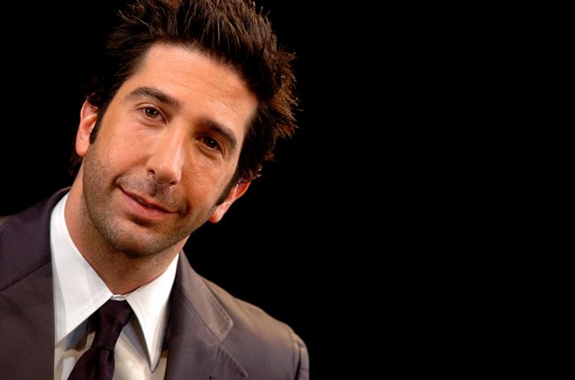 David Schwimmer, grey suit, tie