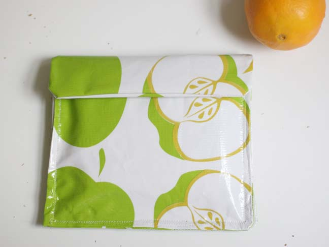 green apple oilcloth reusable sandwich bag