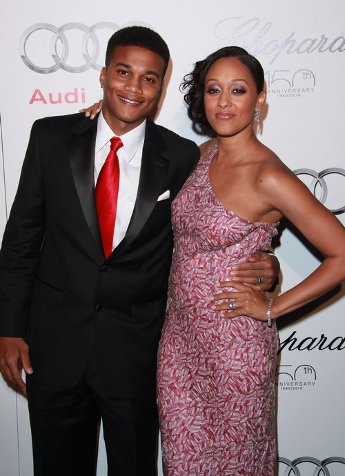 Tia Mowry, pink dress, pink strapless dress