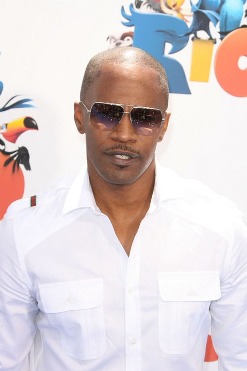 Jamie Foxx white shirt, sunglasses