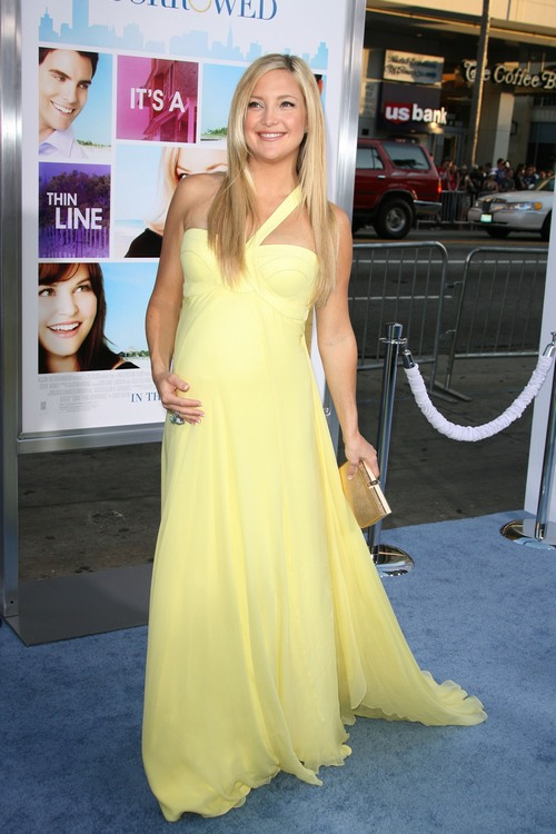 Kate Hudson yellow gown