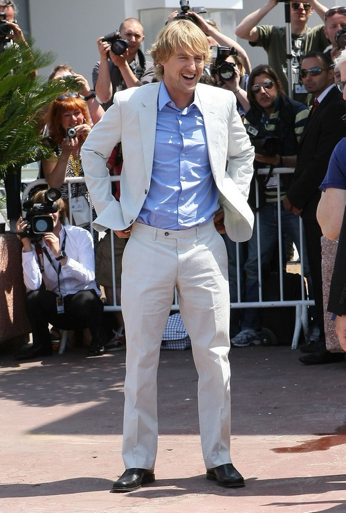 Owen Wilson blue shirt, white suit