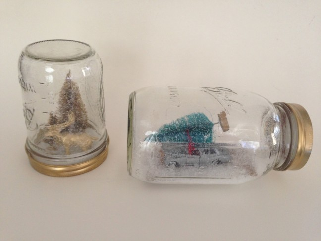 mason-jar-snow-globe-tutorial