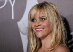 Reese Witherspoon And More Attend 'This Means War' Premiere In Hollywood