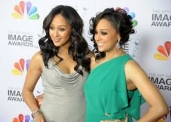 2012 NAACP Image Awards Red Carpet Fashions