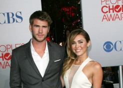 Miley Cyrus and Liam Hemsworth Are Engaged!