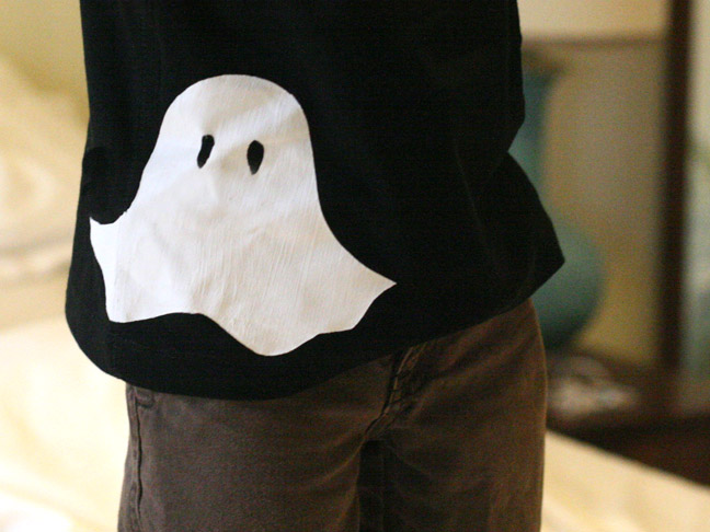 Stenciled Ghost T-Shirt DIY - Final