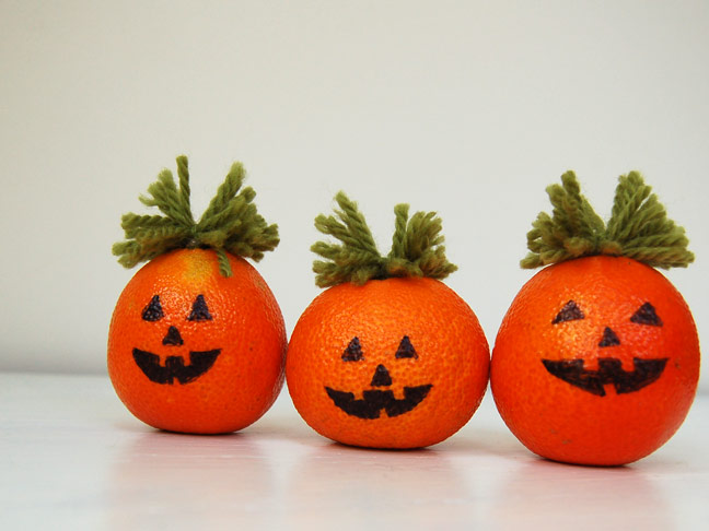 DIY Halloween Craft: Pumpkin Orage Decor Step 3