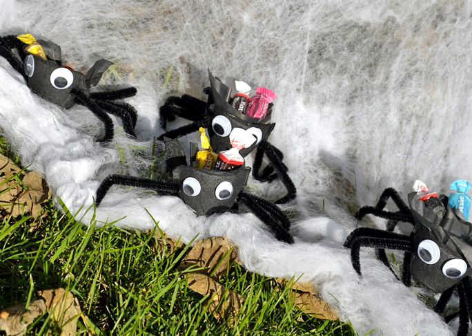 Halloween Spider Treat Cups DIY Craft - Step 8