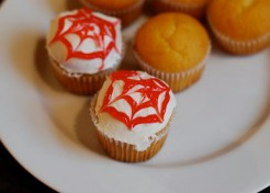 Pumpkin Mini Cupcakes with Spider Web Frosting Recipe