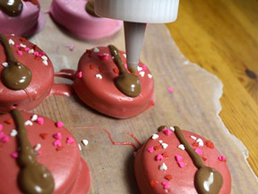 Love Bug Cookies Recipe - Step 8