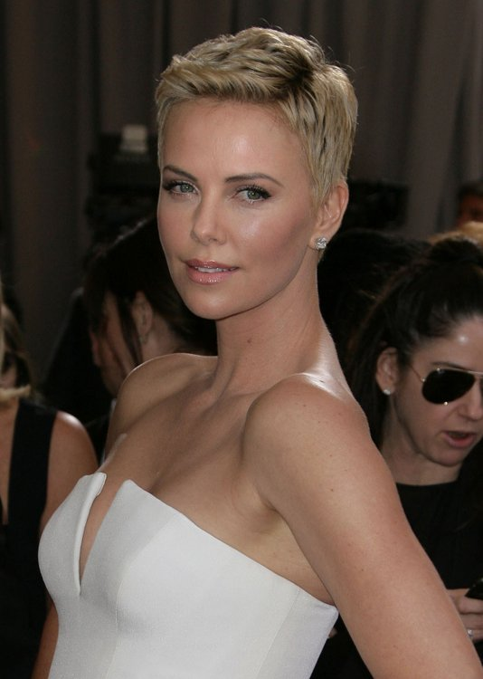 Photos 8 Celebrities Who Joined The Short Hair Trend With Pixie Cuts