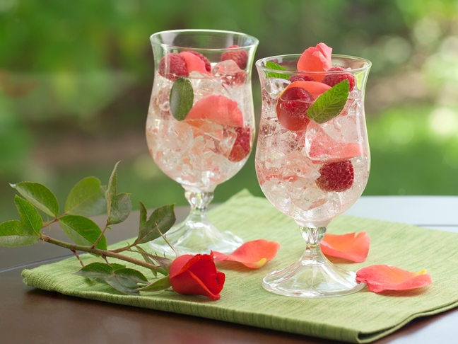 Raspberry Peach Sangria Recipe