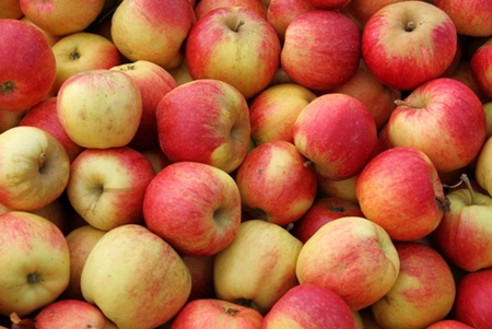pesticides in apples