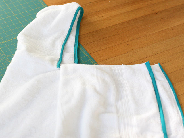 DIY Holiday Gift: Handmade Hooded Towel