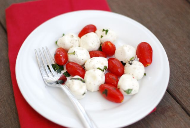 file_168105_0_110718-Peppery-Caprese-Salad