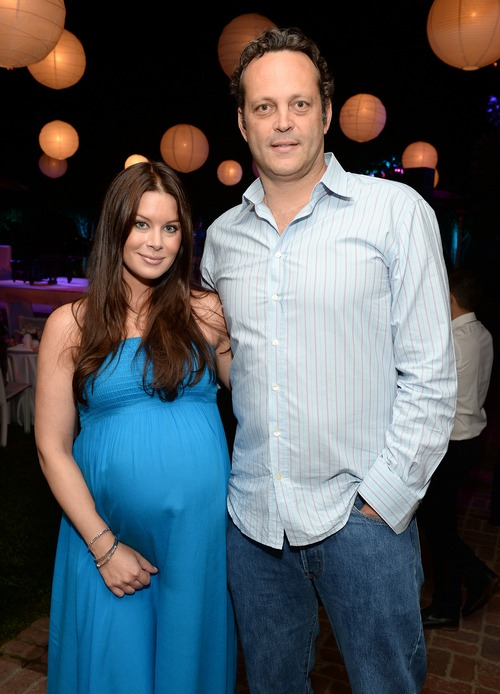 Vince Vaughn Son >> Kyla And Vince Vaughn Welcome A Son Vernon Lindsay