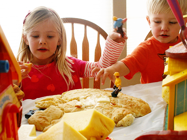 kids-construction-workers-pancake-party