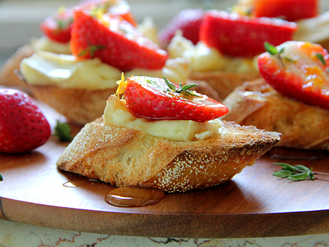 Strawberry-Brie Crostini Recipe