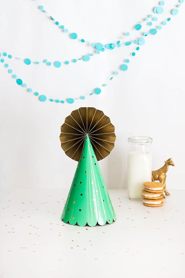 DIY Paper Pinwheel Pom Party Hat Topper by Splendid Supply Co for Momtastic