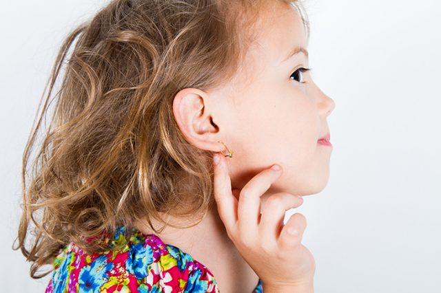 When Should I Let My Daughter Get Her Ears Pierced?
