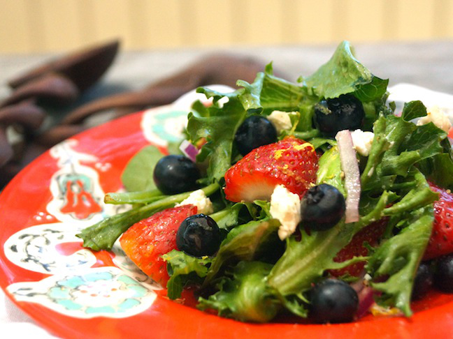 July 4th Recipe-Lemon Scented Strawberry-Blueberry Salad - Momtastic