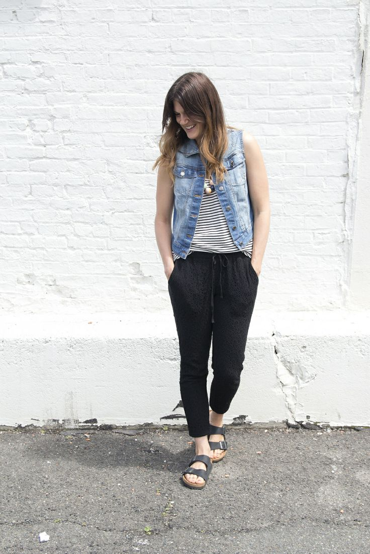 easy-style-birkenstock-mom-jean-jacket