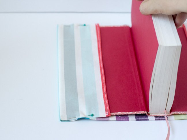 How To Make A Book Cover Out Of Fabric : Diy fabric book cover for back to school