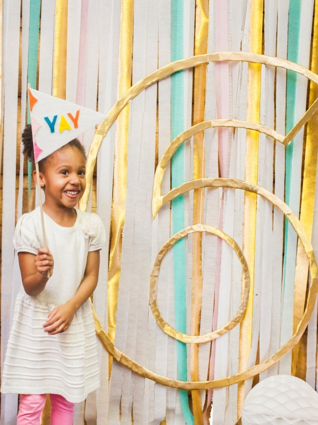 DIY Metallic Number Outline Birthday Backdrop