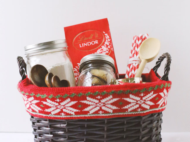 Lindt-Holiday-Gift-Basket-4
