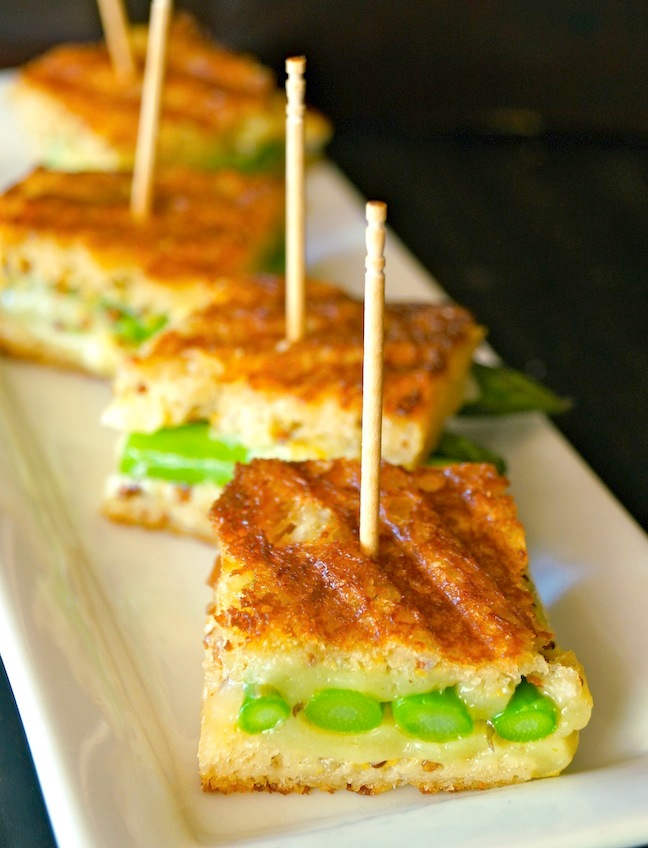 sandwich-grilled cheese-asparagus-white-plate-dish