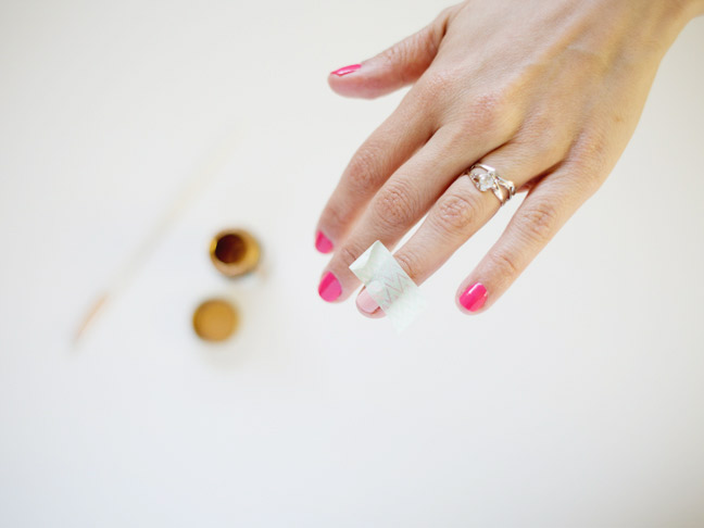 two-tone-mani-washi-tape-on-finger