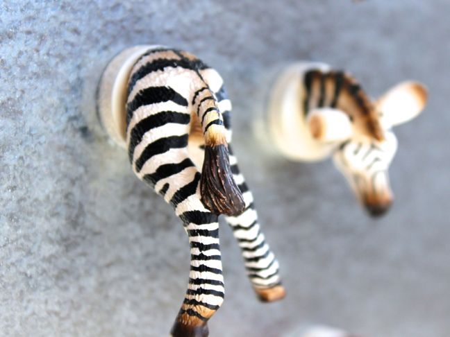 plastic-toy-animals-diy-zebra-magnet-