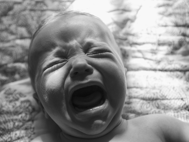 baby-crying-tantrum-black-and-white