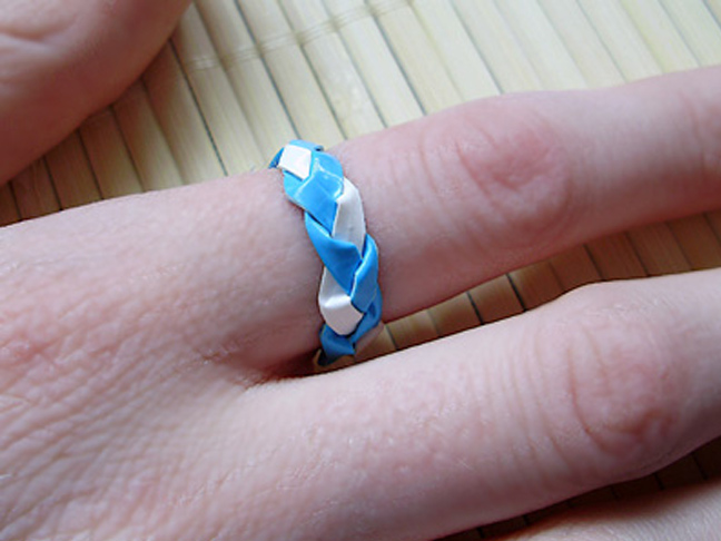 30 epic duct tape diy projects page 2 of 3 for 3 inch rings for crafts