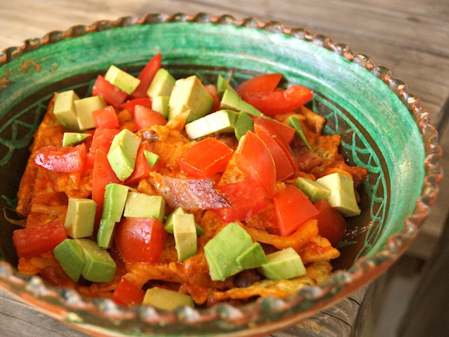 red-green-ceramic bowl-neaches-tomatoes avocado