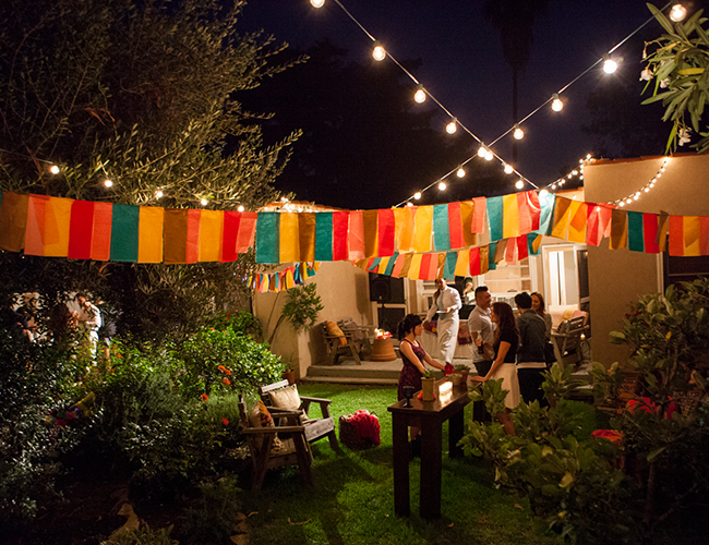 5 Must Haves For Hosting The Ultimate Backyard Dinner Party