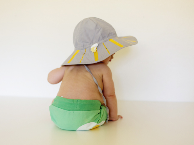 baby-gold-striped-sun-hat