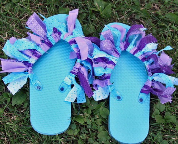 fabric scrap flip flop decorating idea final 1