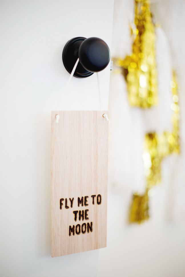 fly-me-to-the-moon-woodburn-door-sign3