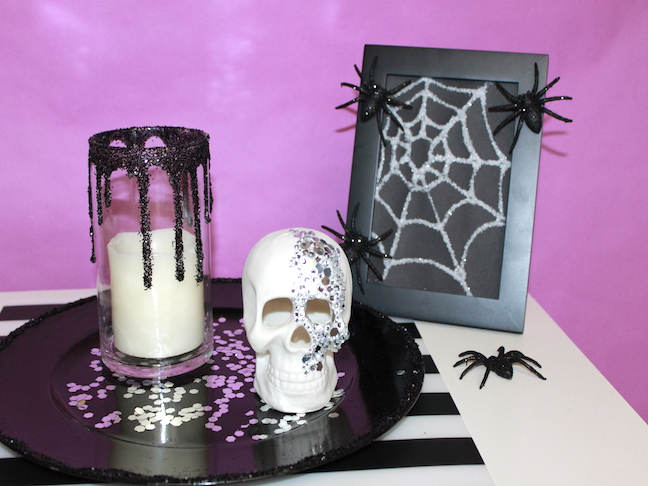 Halloween photo frame, skull, candle, charger
