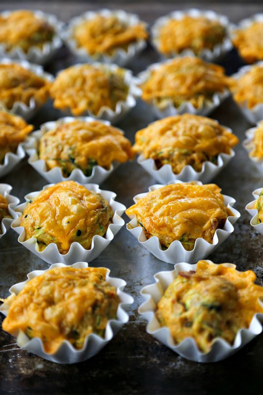 Spicy-Bacon-Cheddar-Zucchini-Breakfast-Muffins-4-600x900