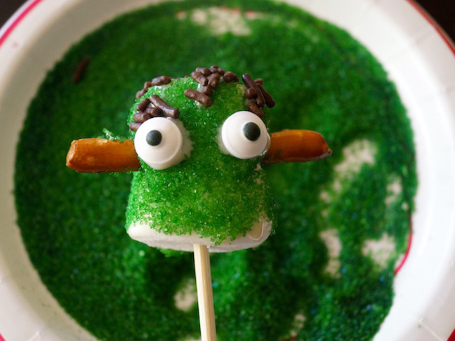 green marshmallows-pretzels-eyes-frankenstein-sprinkles