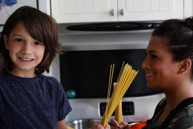 mother-son-dry-spaghetti